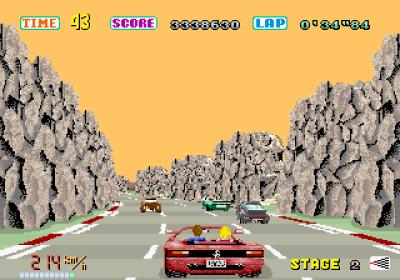 Ved hjelp av «sprites» skaper spillet inntrykk av at du kjører i ei fjellkløft.