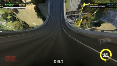 Kameraet hopper sømløst til førsteperson når du kjører i loops og slikt.