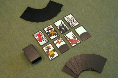 Kortspillet Koi Koi bruker hanafuda-kort. Bilde: I, Aldaron, CC BY 2.5.