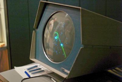 Spacewar! på en PDP-1. Bilde: Joi Ito, CC BY 2.0.