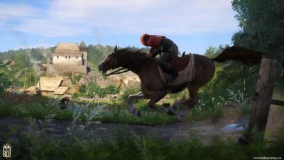 En budbringer kommer med nyheten om spillets lanseringsdato.