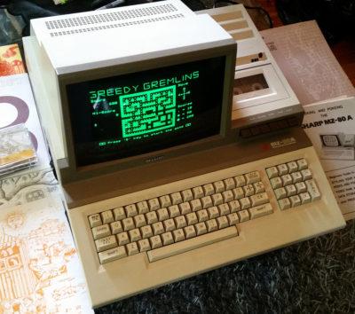 Min nye Sharp MZ-80A, med et spill jeg sikkert hadde elsket på åttitallet.