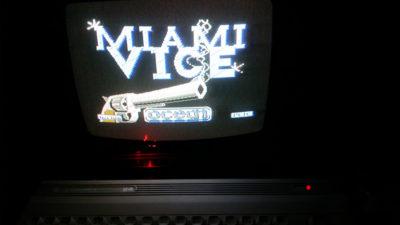 Beklager det mørke bildet, jeg måtte dra ut kontakten til lampa for å få strøm til TV-en da jeg testet denne i går.