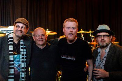 Kristian Tjessem (nummer to fra høyre) er fortsatt aktiv i C64-miljøet. Her sammen med de legendariske Commodore 64-musikerne (fra venstre) Chris Huelsbeck, Jeroen Tel og Reyn Ouwehand. Foto: Audun Ytterdal.